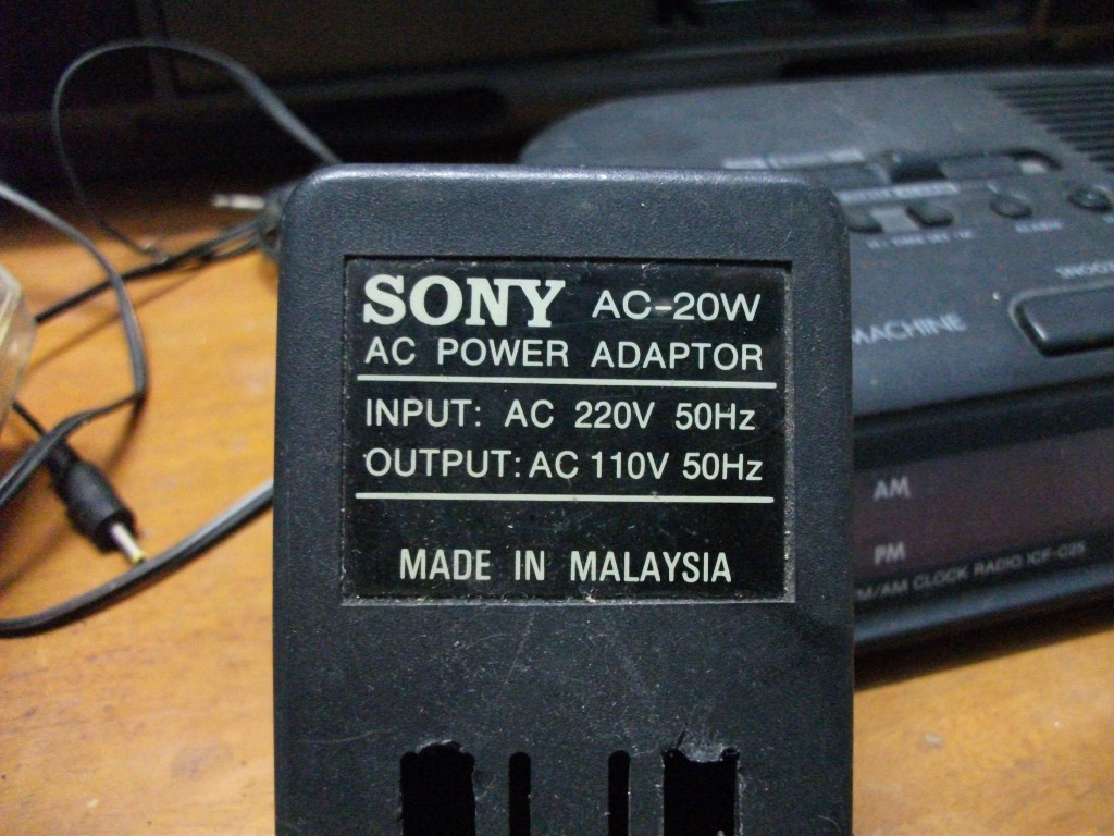 我的新玩具 sony icf-c318钟控收音机